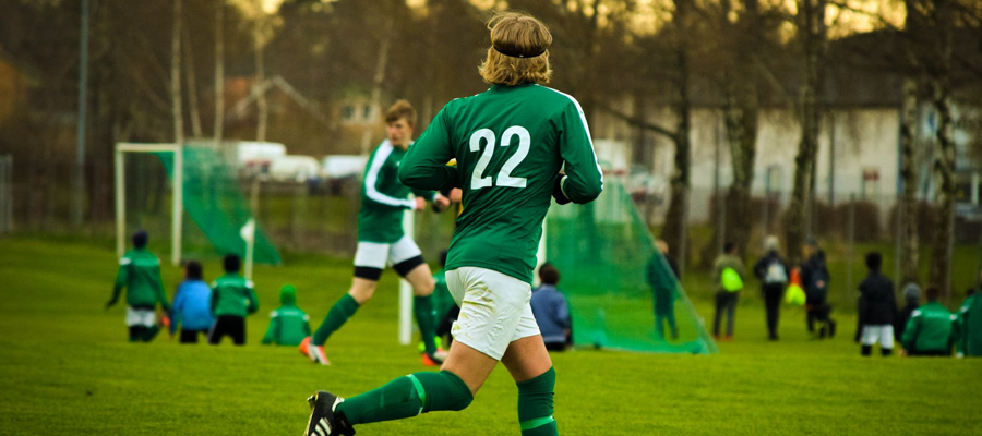 Compare Strengths and Weaknesses the Opposing Team - 2 Ways to Predict the Performance of a Soccer Team